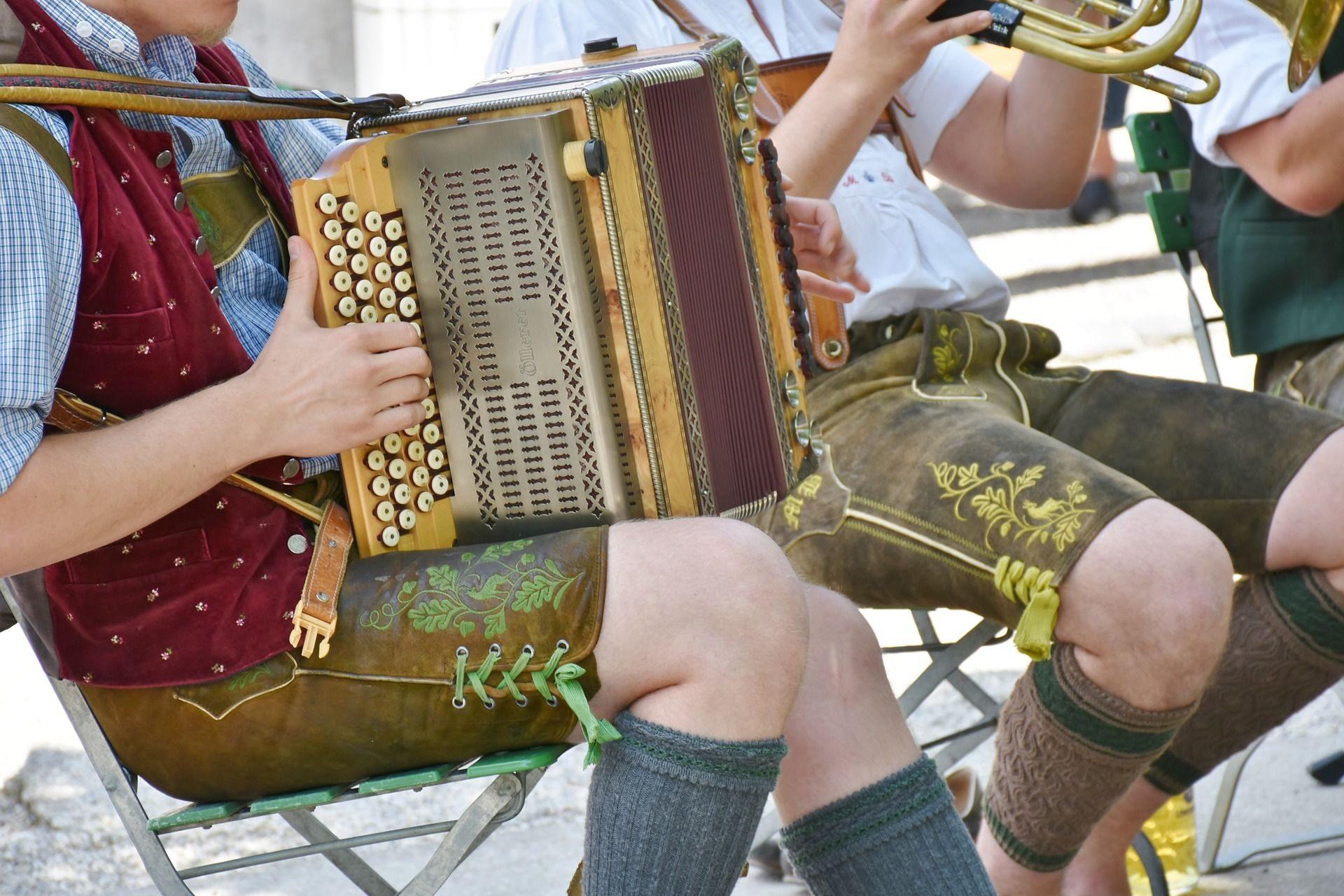 Musikanten spielen auf!